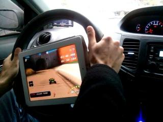 Как правильно играть в гонки на планшете (IPAD)